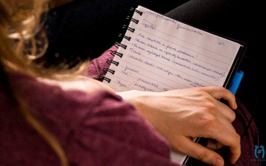 A harmadik képzés - Egy helper naplójából